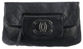 72cf9b440df5 Chanel Quilted Hamptons CC Fold-Over Clutch