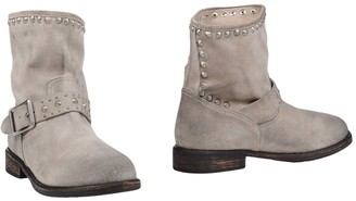 Mr Wolf Ankle boots - Item 44897126XO