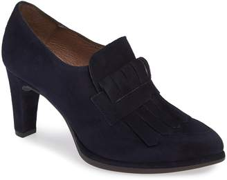 Wonders Fringed Dress Shoe