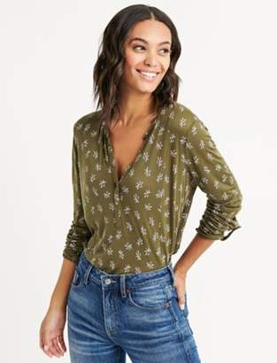 Lucky Brand SEAMED DITSY FLORAL HENLEY