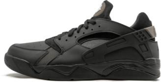 Nike Flight Huarache Low Shoes - Size 11.5