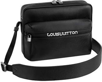 Louis Vuitton Messenger Taiga Outdoor Logo PM Black