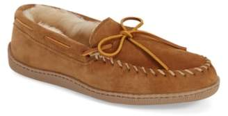 Minnetonka Genuine Shearling Moccasin Slipper