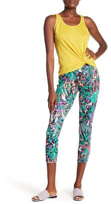 Hue Jungle Print Capri Jeggings