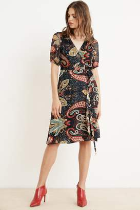 Velvet by Graham & Spencer TAYLOR PAISLEY SHORT SLEEVE WRAP DRESS