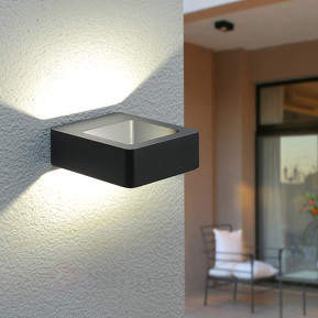 Effektvolle LED-Außenwandleuchte Bernardo
