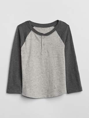 Gap Raglan Henley T-Shirt