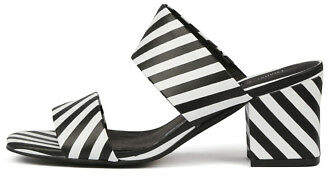 Django & Juliette New Lakyn Womens Shoes Sandals Heeled