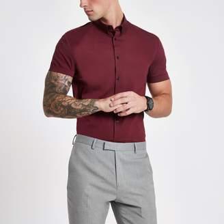 River Island Mens Burgundy muscle fit short sleeve shirt
