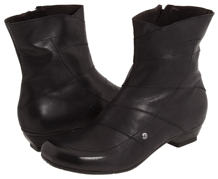 Fidji E292 (Black) - Footwear