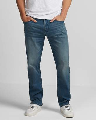 Express Classic Straight Light Wash 365 Comfort Jeans