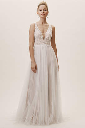New View Whispers & Echoes Quillen Gown