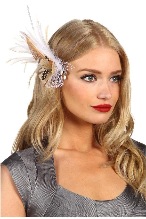 Jane Tran Natural White Feather Hair Clip