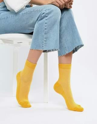 Asos DESIGN plain ribbed ankle socks