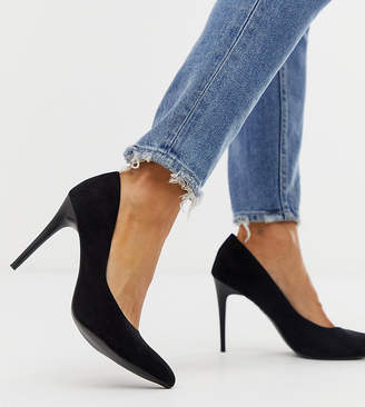 New Look pointed court shoe in black