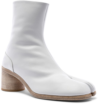 Maison Margiela Ankle Tabi in White | FWRD