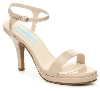 Dyeables Comfort Collection By Aurora Platform Sandal