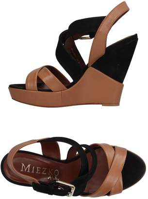 Miezko Sandals - Item 11199907