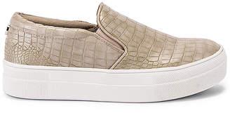 Steve Madden Gills Sneaker