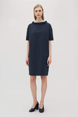 Cos STRUCTURED DRESS WITH FOLDED COLLAR