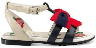 Gucci Toddler leather sandal with Web bow