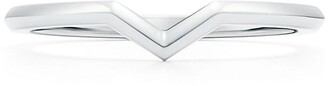 Tiffany & Co. & Co. The Setting V band ring in platinum, 1.7 mm wide - Size 3 1/2