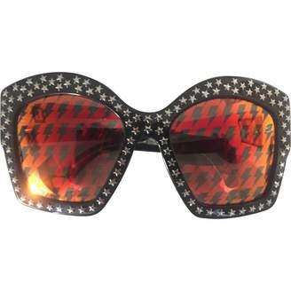 Gucci Black Plastic Sunglasses