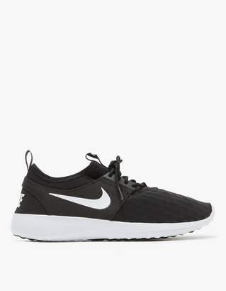 Nike Juvenate in Black/White-Black-White