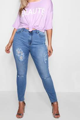boohoo Plus Distressed Washed Skinny Jean