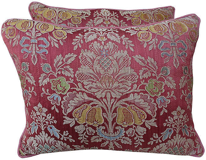 Vintage Floral Damask Pink Pillows