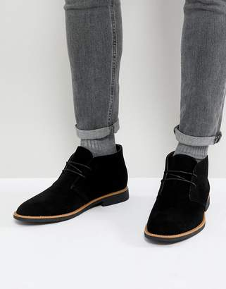 New Look Faux Suede Desert Boots In Black