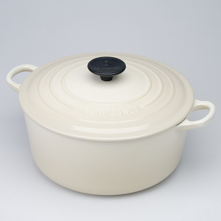 Le Creuset 5.5-Quart Round French Oven, Dune