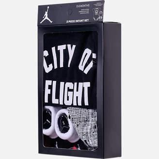 Nike Boys' Infant Air Jordan City of Flight 3-Piece Set