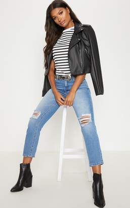 PrettyLittleThing Mid Wash Knee Rip Mom Style Jean