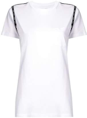 DKNY (ディー ケー エヌワイ) - DKNY クルーネック Tシャツ