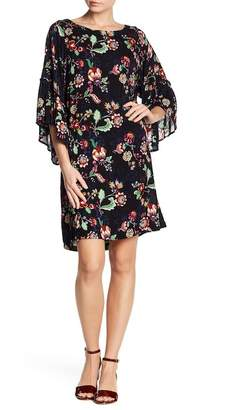 Democracy Floral Ruffle Sleeve Shift Dress