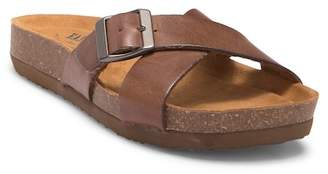 Eastland Kelly Slide Sandal
