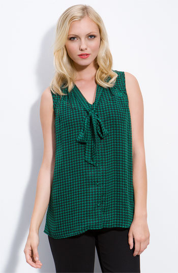 Pleione Sleeveless Houndstooth Bow Top