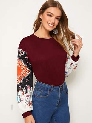 Shein Contrast Sleeve Scarf Print Sweatshirt