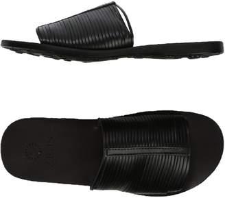 Zeus Sandals