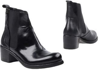 Manila Grace Ankle boots