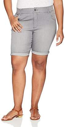 Lee Women's Plus Size Midrise Total Freedom Cocoa Rolled Bermuda Short