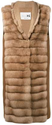 Manzoni 24 sleeveless quilted fur jacket