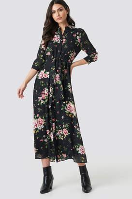 NA-KD Na Kd Dark Floral Maxi Dress Flower Comb