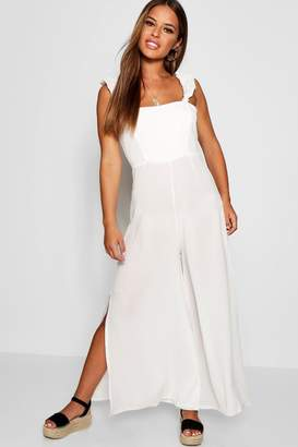 boohoo Petite Niamh Frill Shoulder Woven Jumpsuit