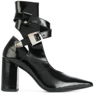 ankle length pumps