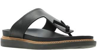 Clarks R) Trace Short T-Strap Sandal