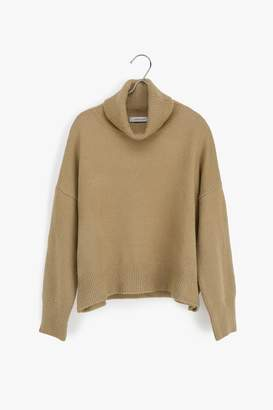Genuine People Cropped Turtleneck Sweater