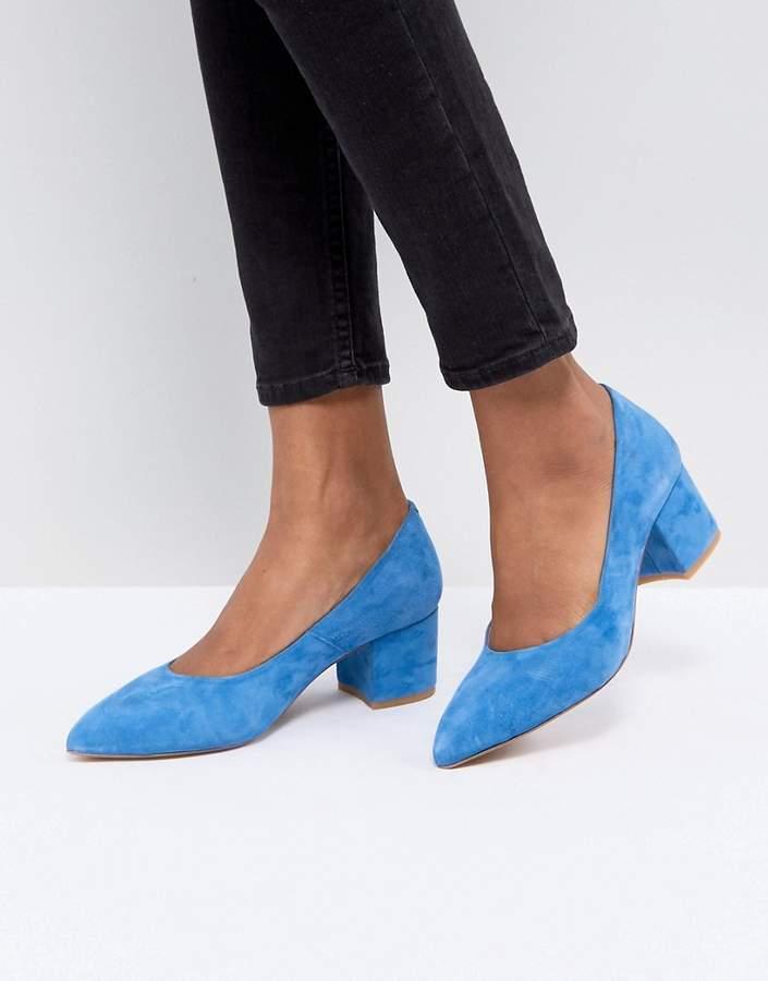 Gestuz Blue Suede Block Heel Pump