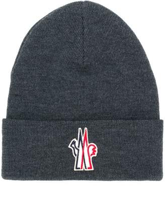 Moncler logo embroidered knitted hat